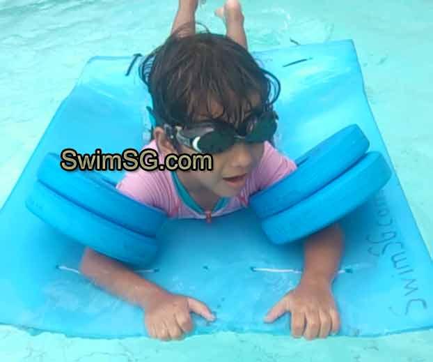 SwimSG.com - Swimming Lessons toddlers Singapore Hougang-Sengkang Yishun clementi jurong